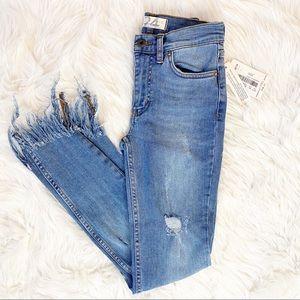 🆕Free People Worn Indigo Jeans